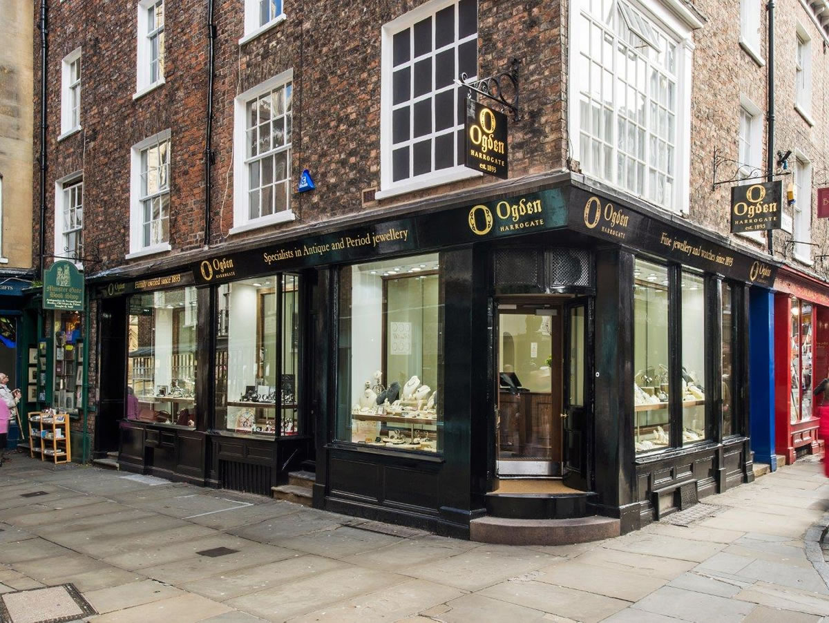 Shopfitting at Ogdens Antique and Period Jewellers
